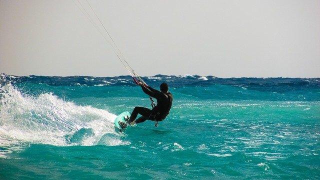 Se préparer avant de faire du kitesurf